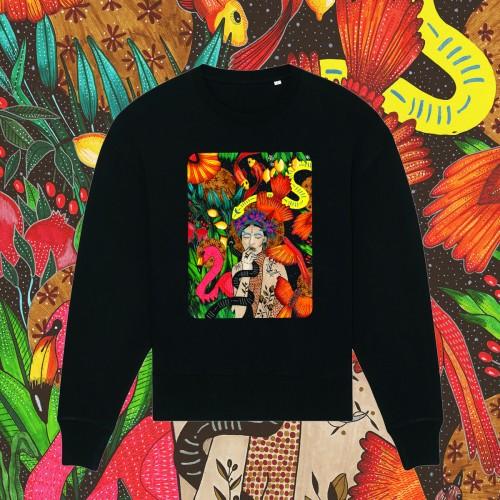 Juodas oversize stiliaus džemperis SHE IS THE UNIVERSE